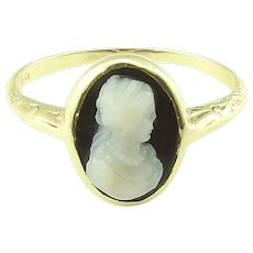 Vintage 14 Karat Yellow Gold Black Cameo Ring Size 7