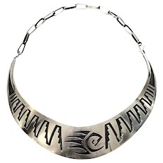 Native American Hopi Elgene Sehongva Sterling Silver Bear Paw Collar Necklace