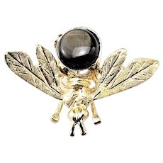 Vintage 14 Karat Yellow Gold and Black Star Sapphire Bee Brooch/Pin
