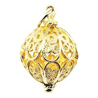 Vintage 18 Karat Yellow Gold Holiday Ornament Charm