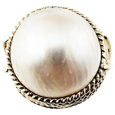 Vintage 14 Karat Yellow Gold Mabe Pearl Ring Size 7.25