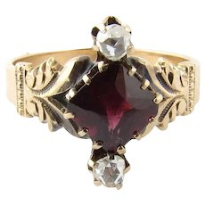 Antique 10K Yellow Gold Garnet and Rose Cut Diamond Ring Size 5.25
