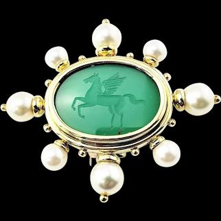 Vintage 18 Karat Yellow Gold Intaglio Green Onyx and Pearl Pegasus Brooch/Pin