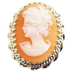 Vintage 14 Karat Yellow Gold Cameo Ring Size 8.25