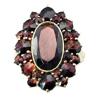 Vintage 10 Karat Yellow Gold and Synthetic Garnet Ring Size 6.75