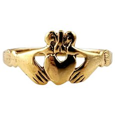 Vintage 14K Yellow Gold Claddagh Ring Size 8.5