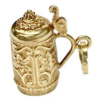 Moving Stein / Tankard Vintage Charm 18K Gold Three-Dimensional