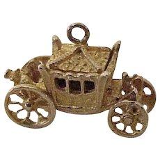 Royal Coronation Coach Moving Charm English 9K Gold Three Dimensional