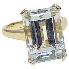 Aquamarine 8.74 Carat Solitaire Vintage Ring 14K Gold