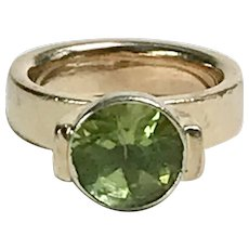 Chunky Modernist Peridot Solitaire Ring 14K Two-Tone Gold