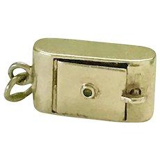 Moving Camera Vintage Charm 14K Gold Three-Dimensional