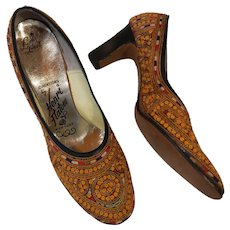 Amazing colorful hand embroidered leather vintage Henry Flatow heels shoes 1950's 60's