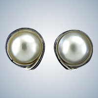 Lustrous Mabe Pearl and 14 Karat White Gold Earrings