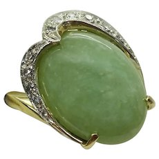 Genuine Vintage Estate 1940s Oval Cabochon Jade 14k Yellow Gold Ring, Size 6.5