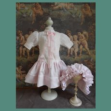 **Lovely outfit very nicely made  pink dress and bonnet***