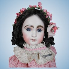 **French Bébé.. Mysterious doll..wonderful !!! 20 inches tall.