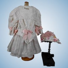 Fabulous 3-piece costume for your large doll.