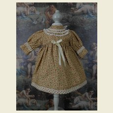 **Sweet cotton floral dress**suitable for a 16 inches doll.