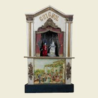 """Small  22,4 """"size Guignol theater with 2 small dolls."""