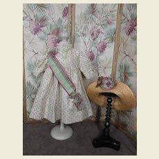 **Beautyful costume..dress and matching hat****