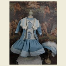 ***Stunning light blue  3-piece costume with embroidered front***