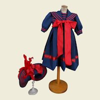 ****A wonderful sailor costume with red details***