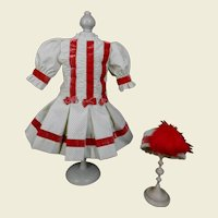 **Stunning costume / dress with a coquettish hat***