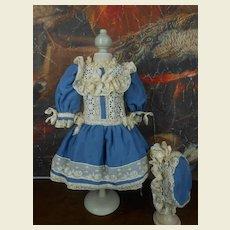 ***Beautiful blue/creme dress with matching hat***