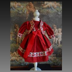 **A sweet red dress with a bolero**