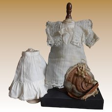 ***A small French authentic dress, petticoat and straw hat ***
