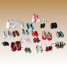 **Bargain ! 21 pairs of shoes...different colors and different sizes****