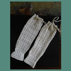 **Rare pair of antique open weave Mitaines for your French Bébé***