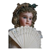 *****A lovely celluloid FAN, very good condition****