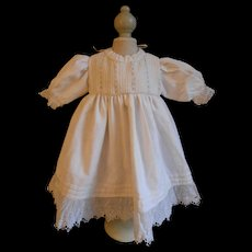 **Gorgeous white dress made of white antique cotton and lace****