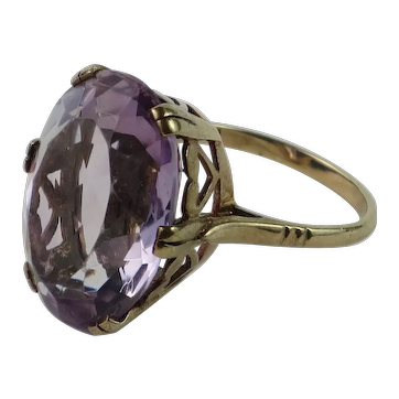 16ct Oval Cut Amethyst Solitaire 9k Yellow Gold  Ring size 7
