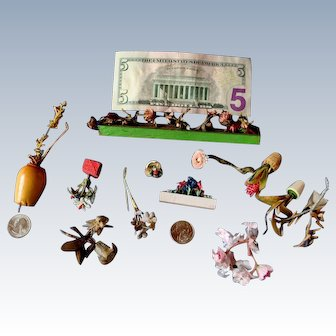 Assortment of antique flowers for doll houses