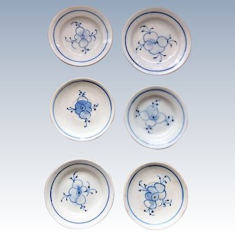 Rare original strawflower porcelain plates - blue and white