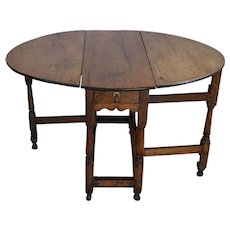 18th Century English Oak Drop Leaf Gateleg Table