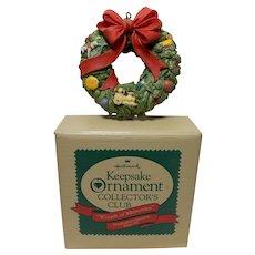 """1987 Charter Member Keepsake of Membership Ornament """"Wreath of Memories"""""""