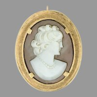 Mother of Pearl Cameo circa 1960s 14k yellow gold pendant / pin / brooch (CAMPEN10034)
