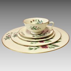 Lenox Country Garden Fine China Complete 40pc Set (8 Place Settings) in Near-Mint Condition (CHIN10012)