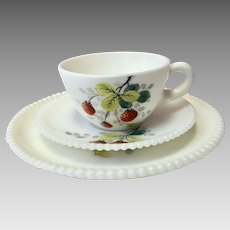 China, Fine China, Vintage China, Westmoreland China, Westmoreland Beaded Edge Fruit, Westmoreland Beaded Edge, Strawberries (CHIN10025)
