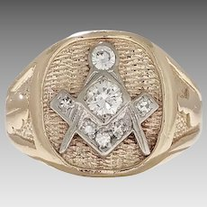 Estate Masonic Man's Ring 14 Karat Yellow Gold with 0.50ct of Diamonds Vintage Circa 1930 (DIAR10278)