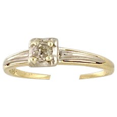 Vintage 1941 14 Karat Yellow Gold Old Mine Cut Diamond Ring 0.18 carat (DIAR10305)