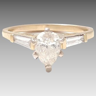 Vintage 14kt yellow Gold Ring with .95ct Pear Cut Diamond with (2) Baguettes .20tcw set in a classic Engagement Style Ring (DIAR10310)
