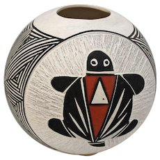 Round Turtle Pot. Signed D Waconda Acoma. By Artist Debra Wacoda, New Mexico