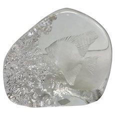 Vintage 1998 Mats Jonasson Tropical Fish Engraved Lead Crystal Sculpture (OTH10347)