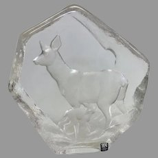 """Beautiful Mats Jonasson """"Deer With Fawn"""" Engraved Lead Crystal Sculpture (OTH10349)"""
