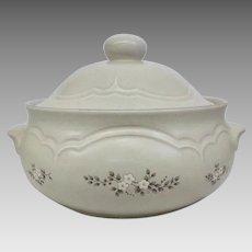Vintage Circa 1948 Pfaltzgraff Heirloom Ceramic 2 quart Casserole Dish with Lid, 2 available! (OTH10460)