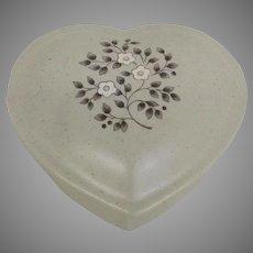 Vintage Circa 1948 Pfaltzgraff Heirloom Ceramic Heart-shaped Box with lid (OTH10465)